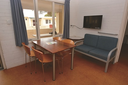 South Thomson standard accommodation dining and living area